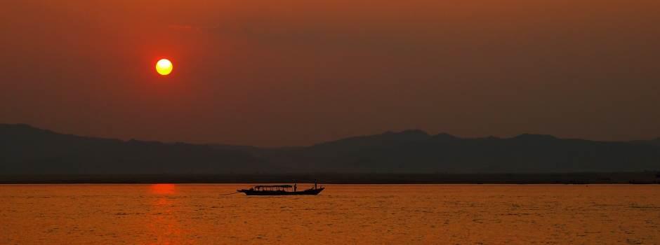 goi-reisen-mandalay-sunset.jpg